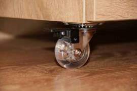 Поворотное колесо со стопором и подшипником для легкого перемещения и фиксации стола