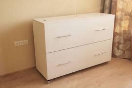 Специальный цвет - вудлайн кремовый, подбирался под мебель заказчика